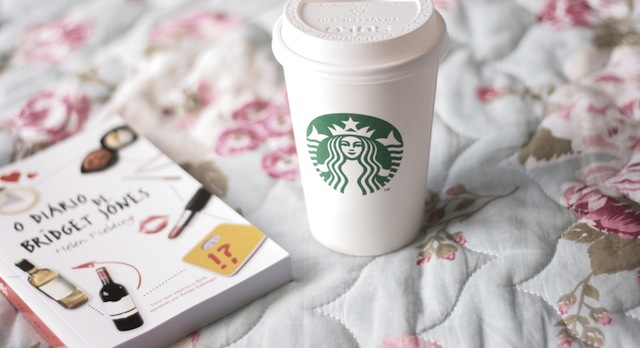 starbucks_coffee_cup_book_bed_54790_3888x2592