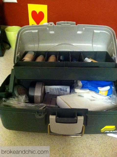 IMG 0992 1 DIY: Makeup Case    Utility style!