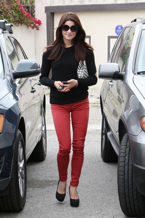 Ashley Greene in Red Tight Pants Arriving at Studio in LA 03 560x840 Trend Alert: Red Jeans