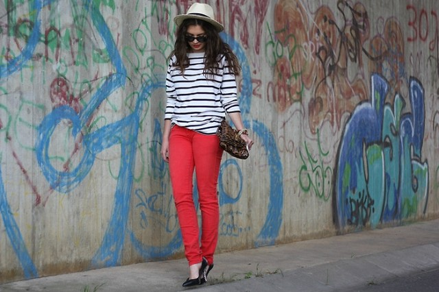lookbook 4 640x426 Trend Alert: Red Jeans