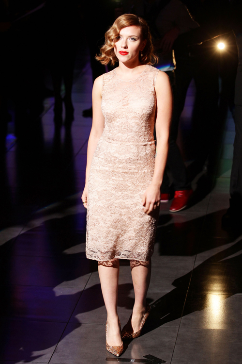 scarlett johansson sept26 56 Get The Look For Less: Lace Dress