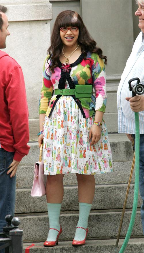 Ugly Betty outfit