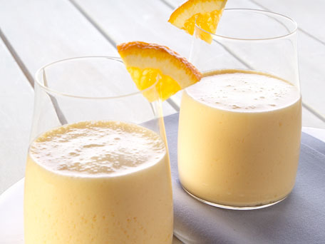 creamy orange smoothie 456X342 Broke & Fit: A Healthy Vegan Smoothie to Start your Morning