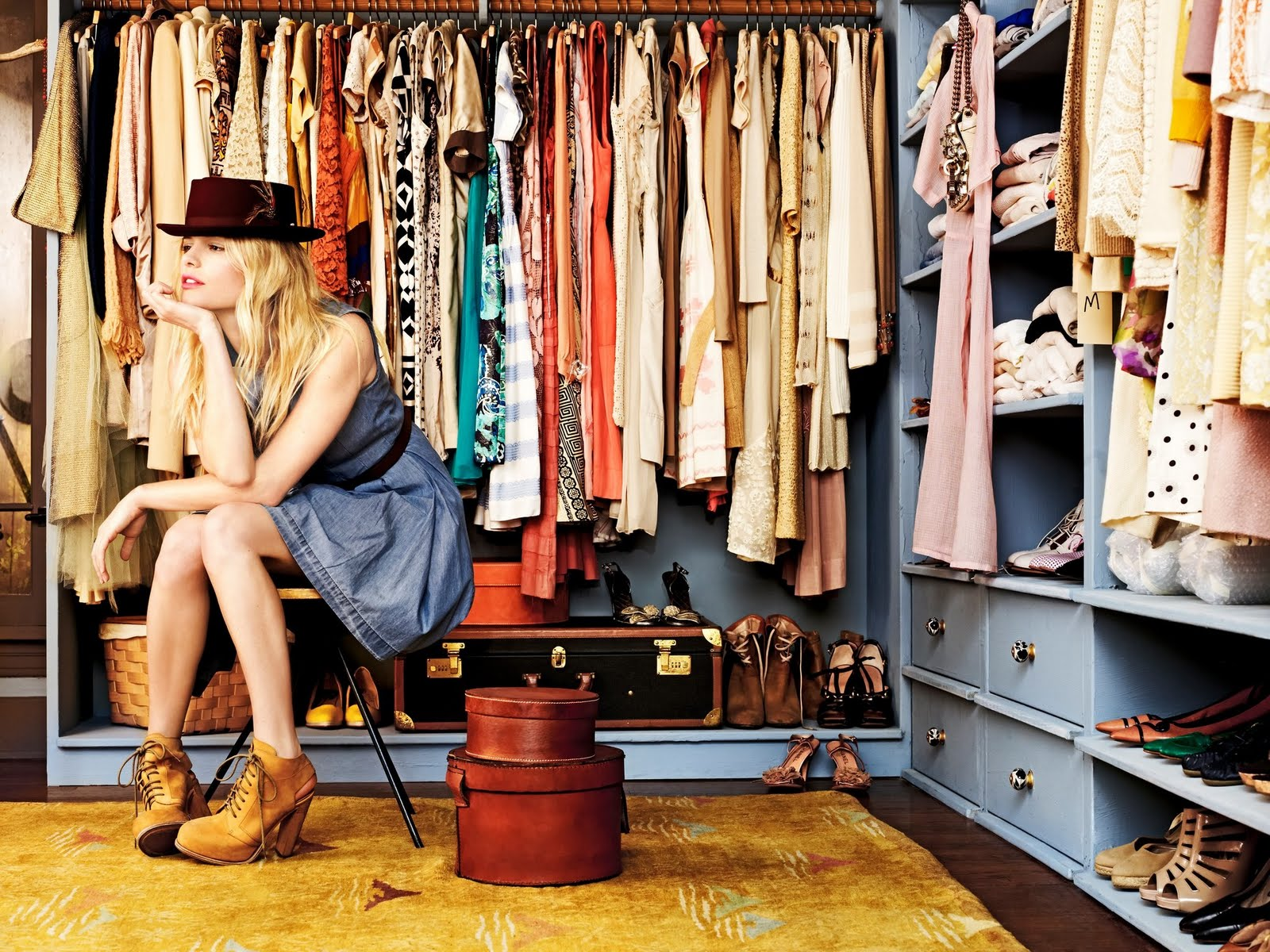 How To Clear Your Closet For This Season's Hot Looks