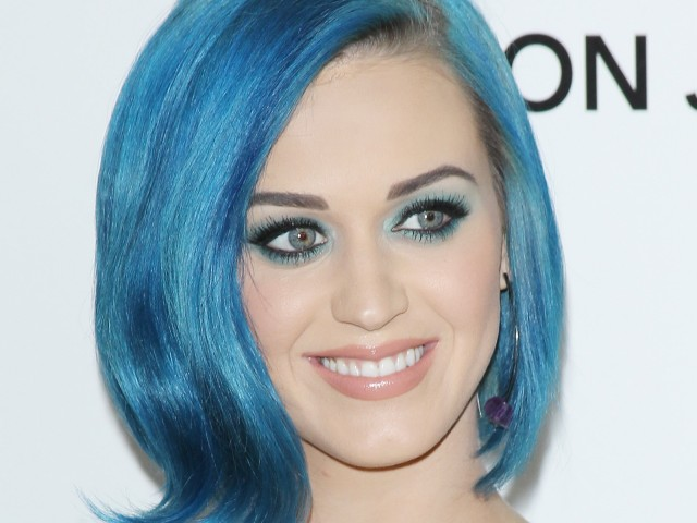 Katy Perry14 640x480 Rainbow Hair is Taking Over Hollywood