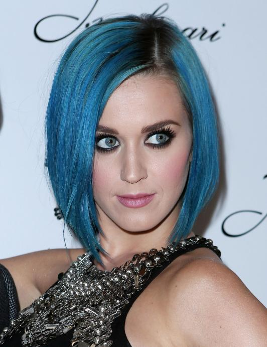 katy perry blue hair photo 532x691 Rainbow Hair is Taking Over Hollywood