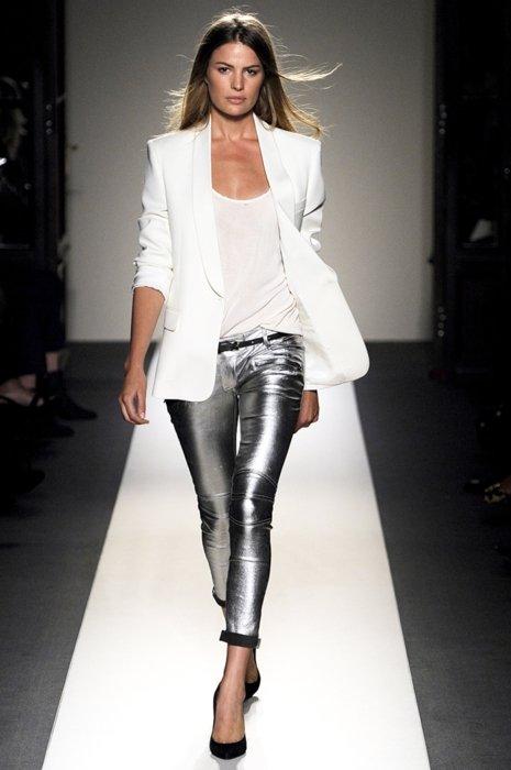tumblr lxhce8rvjp1qzh0vno1 500 Trend Alert: Metallic Jeans