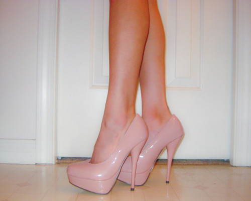 tumblr lugvkhU7hD1r6n732o1 500 large Trend Alert: Nude Pumps