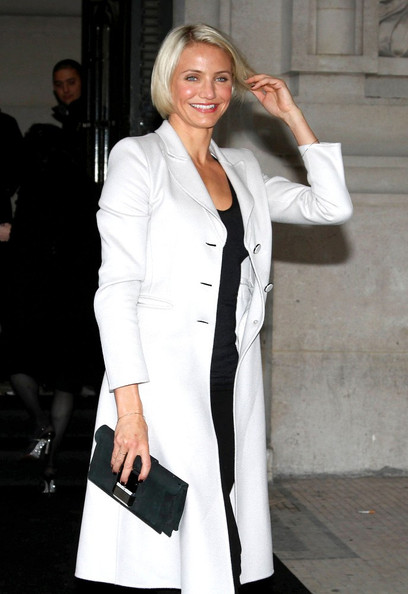 Cameron+Diaz+Celebs+Arrive+Armani+Show+Paris+zcF6 GmfKJZl Cameron Diaz is Writing a Nutrition Book For Teens