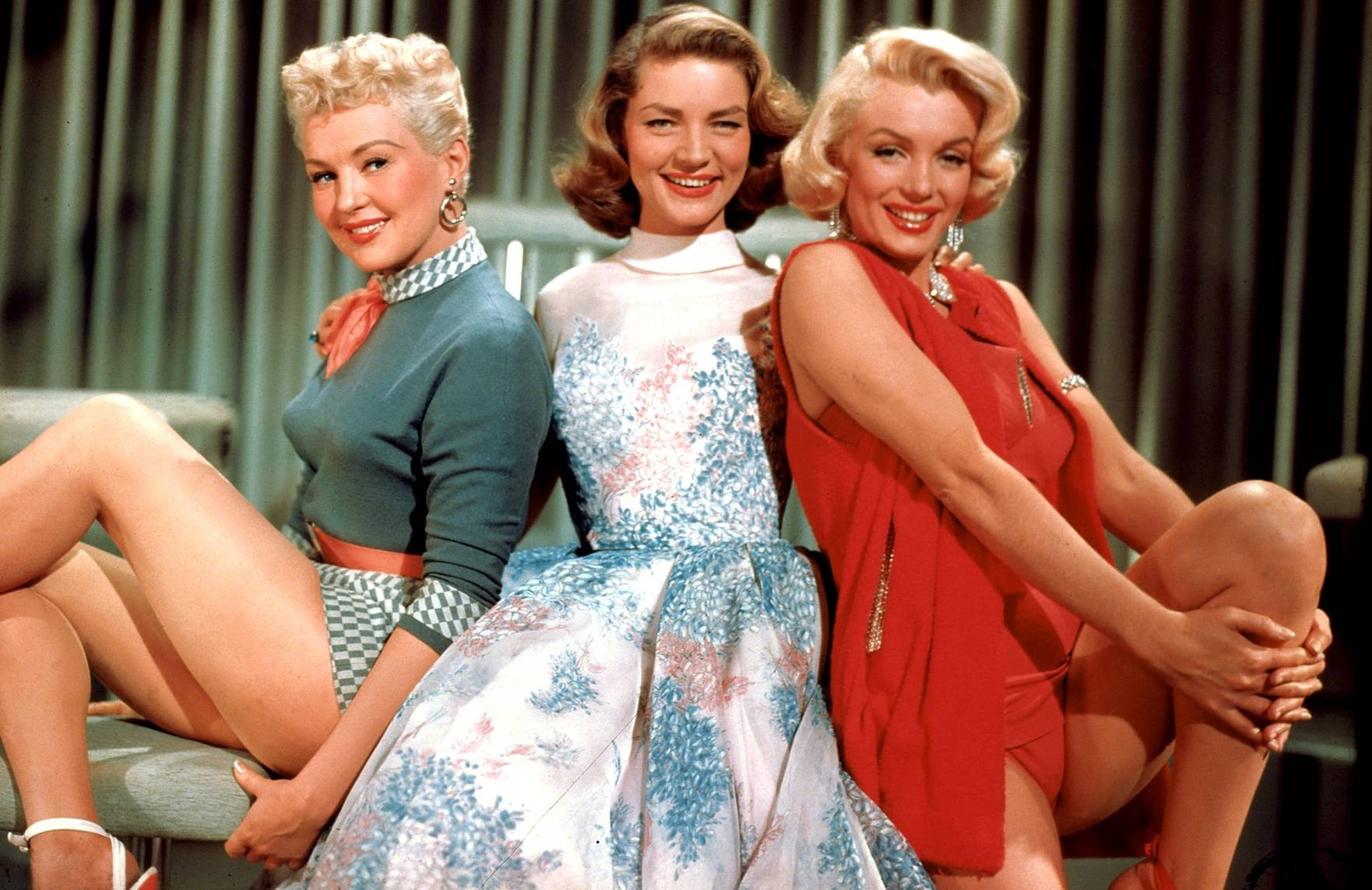 lauren_bacall_marilyn_monroe_betty_grable_how_to_marry_millionaire_desktop_1762x1143_wallpaper-317976