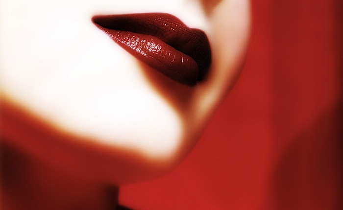 Perfect-Red-Lips-On-A-Red