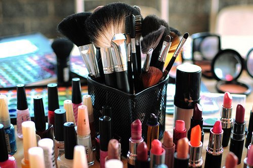 527989 263839270389501 59024358 n large Money Saving Makeup Advice