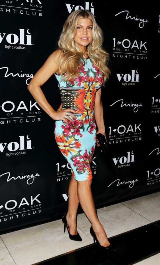 fergie lala 001 wenn3806784 e1333386575221 Heres How to Rock a Floral Bodycon Dress on the Cheap