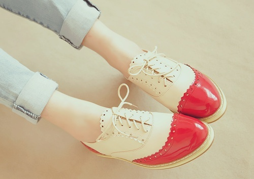 29625310020005613 DyzCjz4p c large Top 4 Winter Shoe Trends: from Wedge Sneakers to Two tone Oxfords
