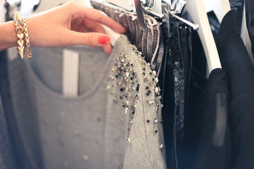 Shopping Tips: How to Stay Stylish When You're Broke