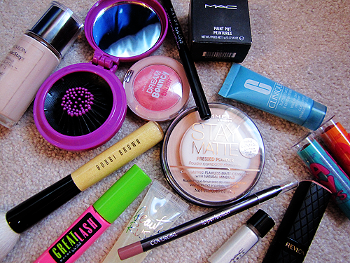 5 Tricks To Speed Up Your Morning Beauty Routine // www.brokeandchic.com