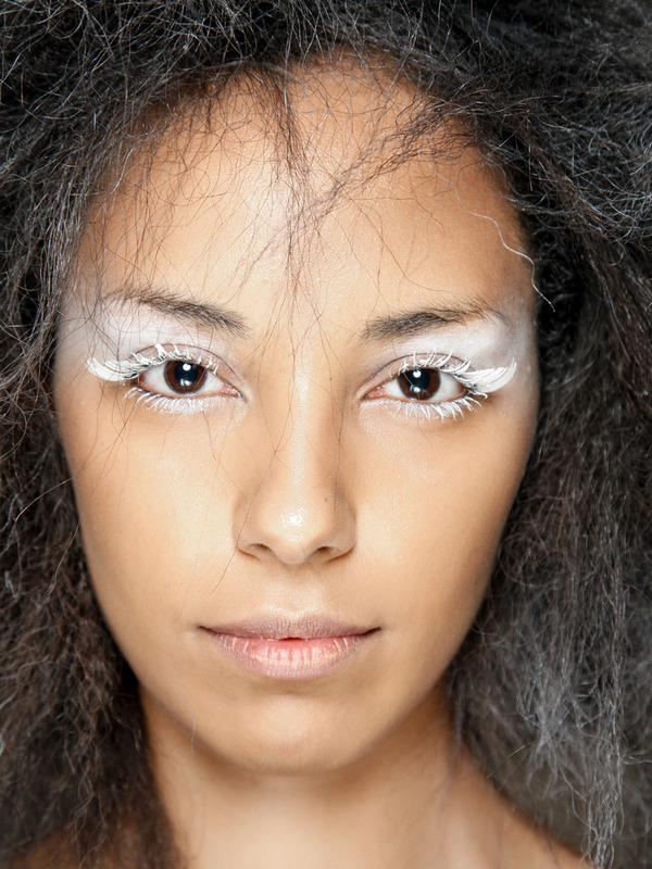 media images beaute osez le white spirit belle des neiges 9753028 1 fre FR Belle des neiges Trend Alert: White Mascara