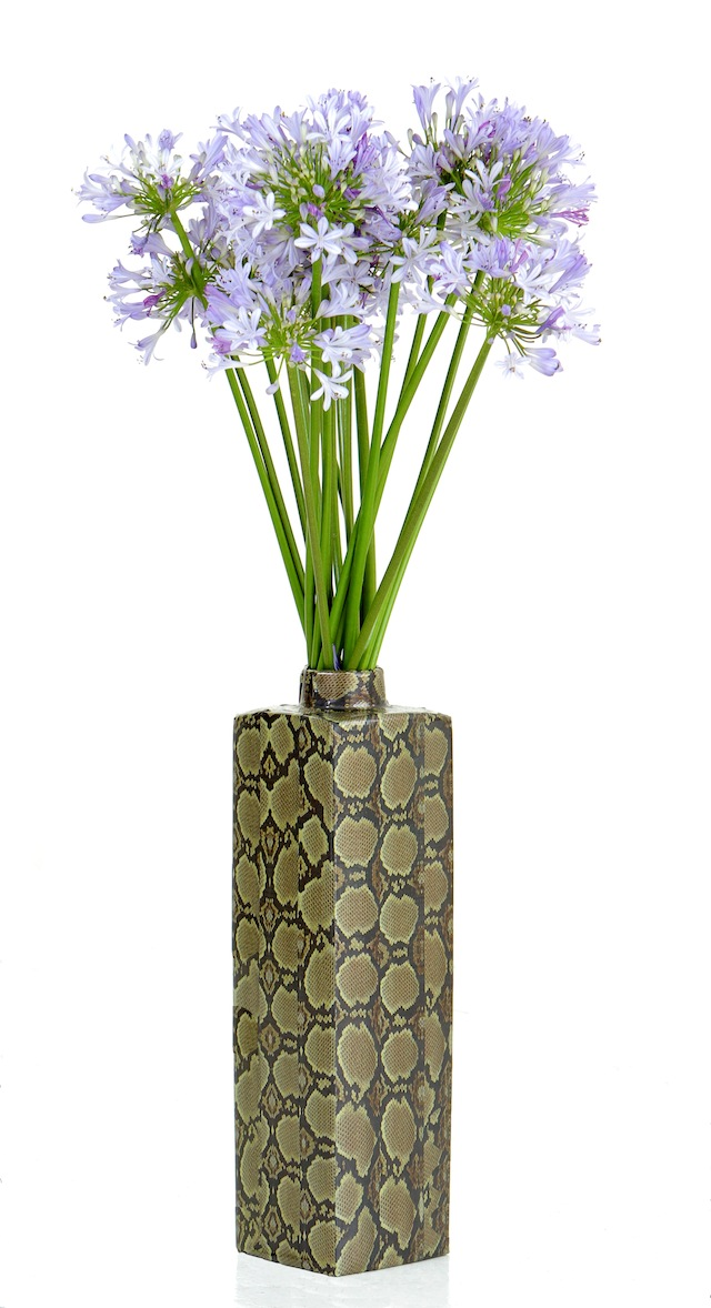 vase flowers DIY: 8 Unexpected Things to Do with Duct Tape
