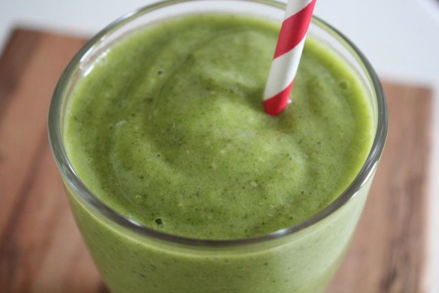 Blueprint cleanse broke and chicbroke and chic a healthy green smoothie that actually tastes good malvernweather Choice Image