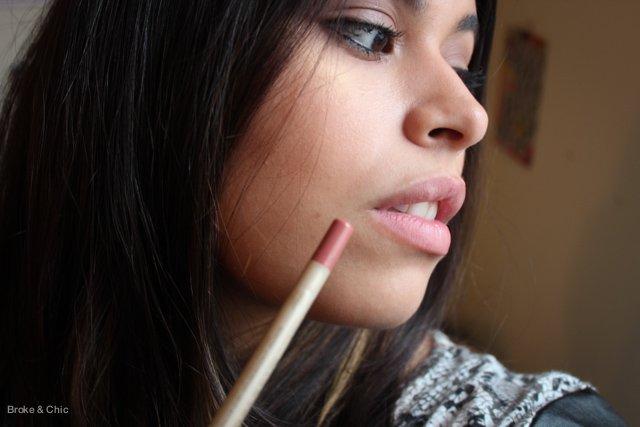 Lip-liner1