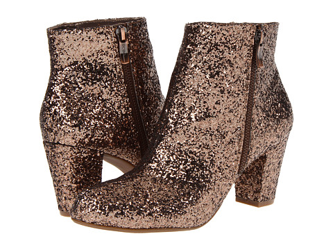 gold-glitter-shoes