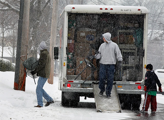 moving-in-snow
