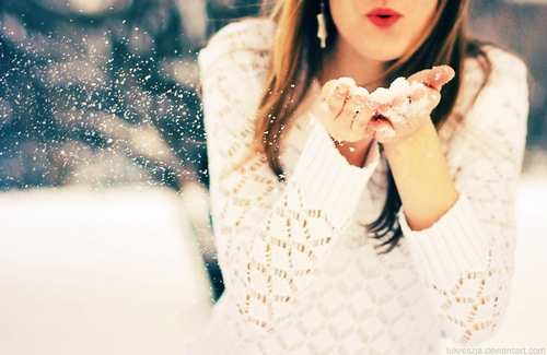 lips winter DIY: How to Make Your Own Lip Scrub