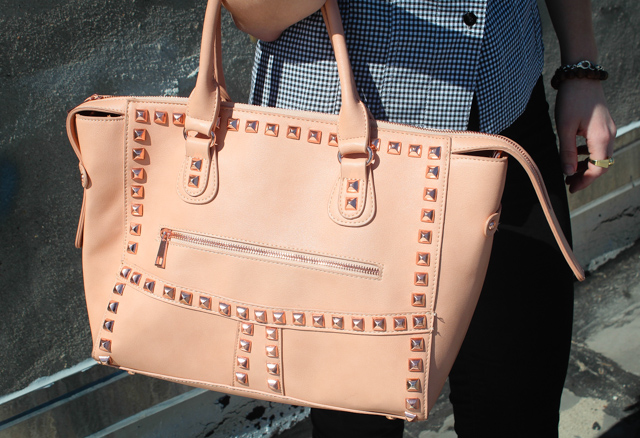 SD bag1 5 Affordable Bags That Look Expensive