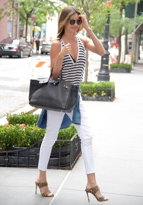 miranda kerr3 Get Miranda Kerrs Casual Summer Look for Less
