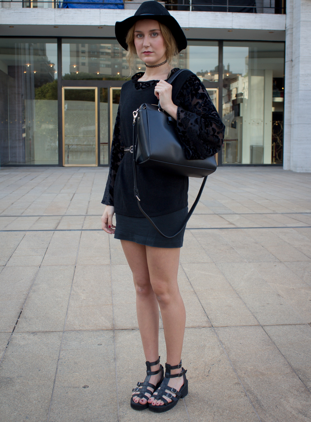 black outfit1 Our 9 Favorite Street Style Trends from New York Fashion Week