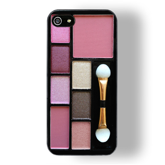 The perfect case for the makeup junkie // www.brokeandchic.com