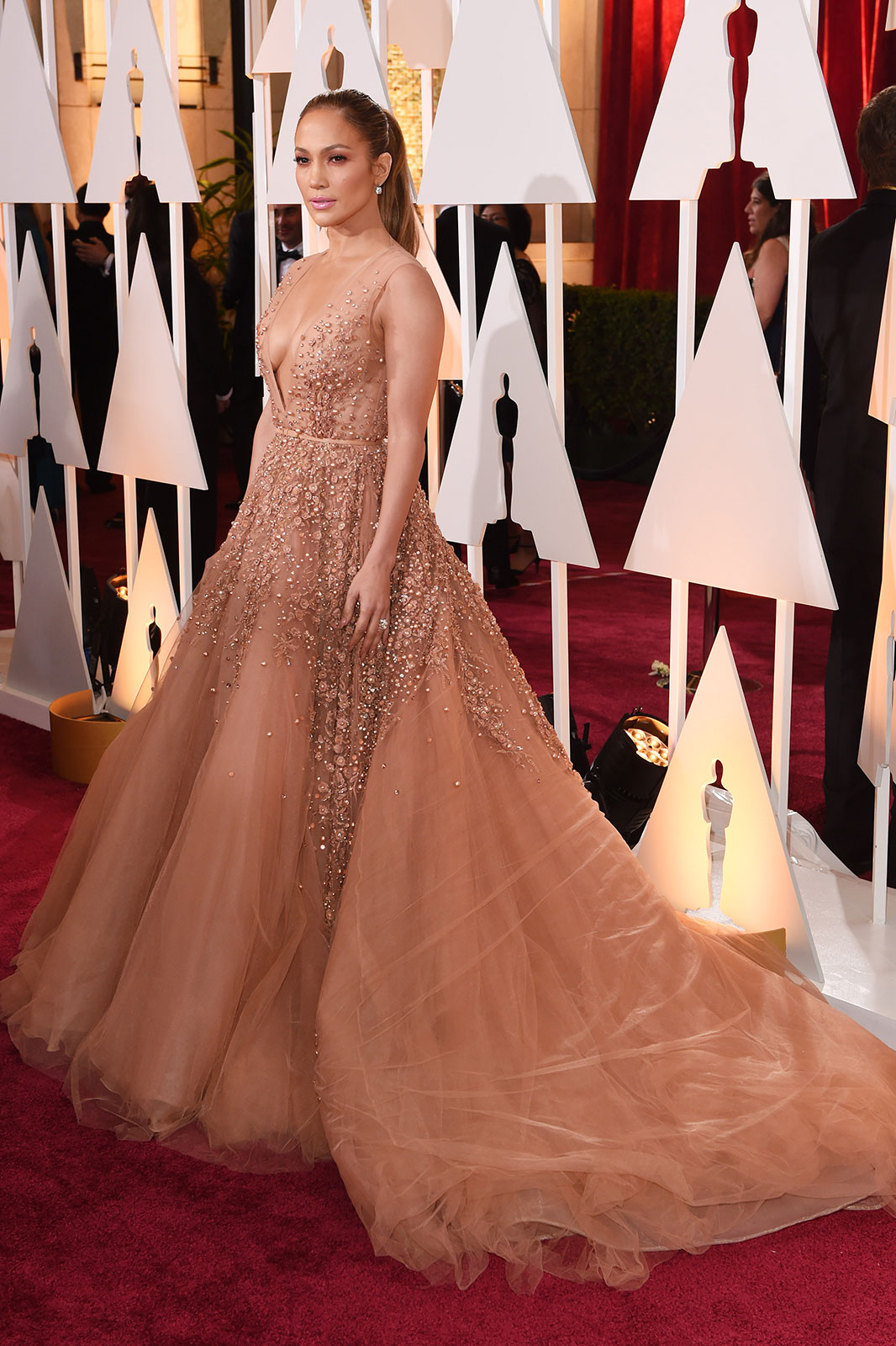 Jennifer Lopez at the 2015 Oscars // www.brokeandchic.com