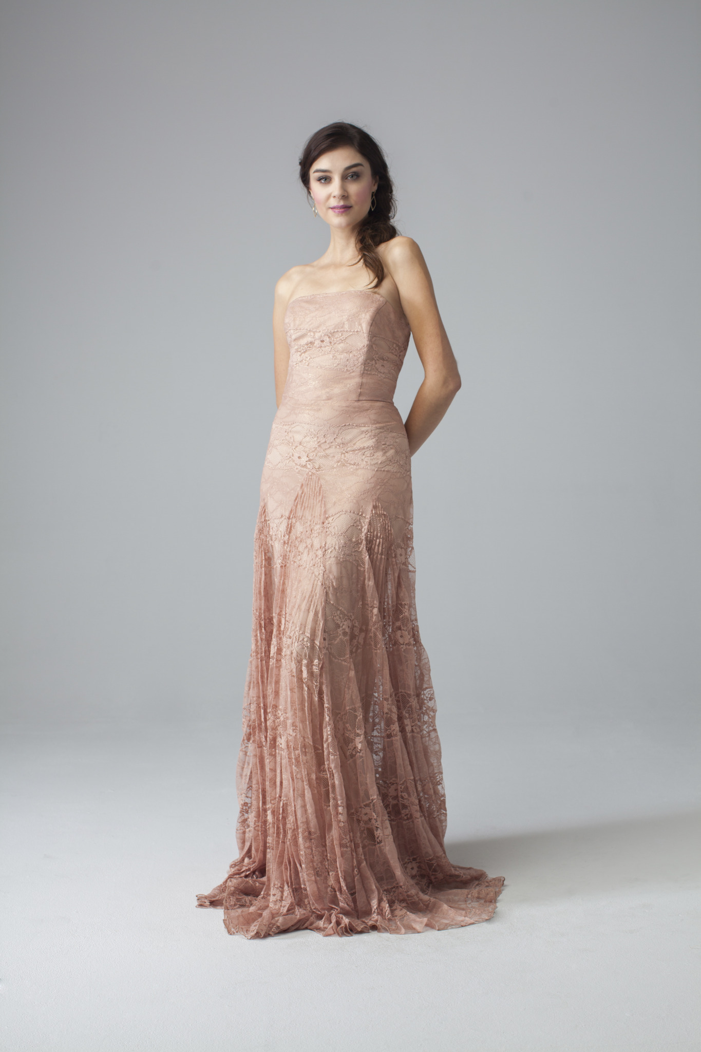Loverly gown, perfect for both proms and weddings!