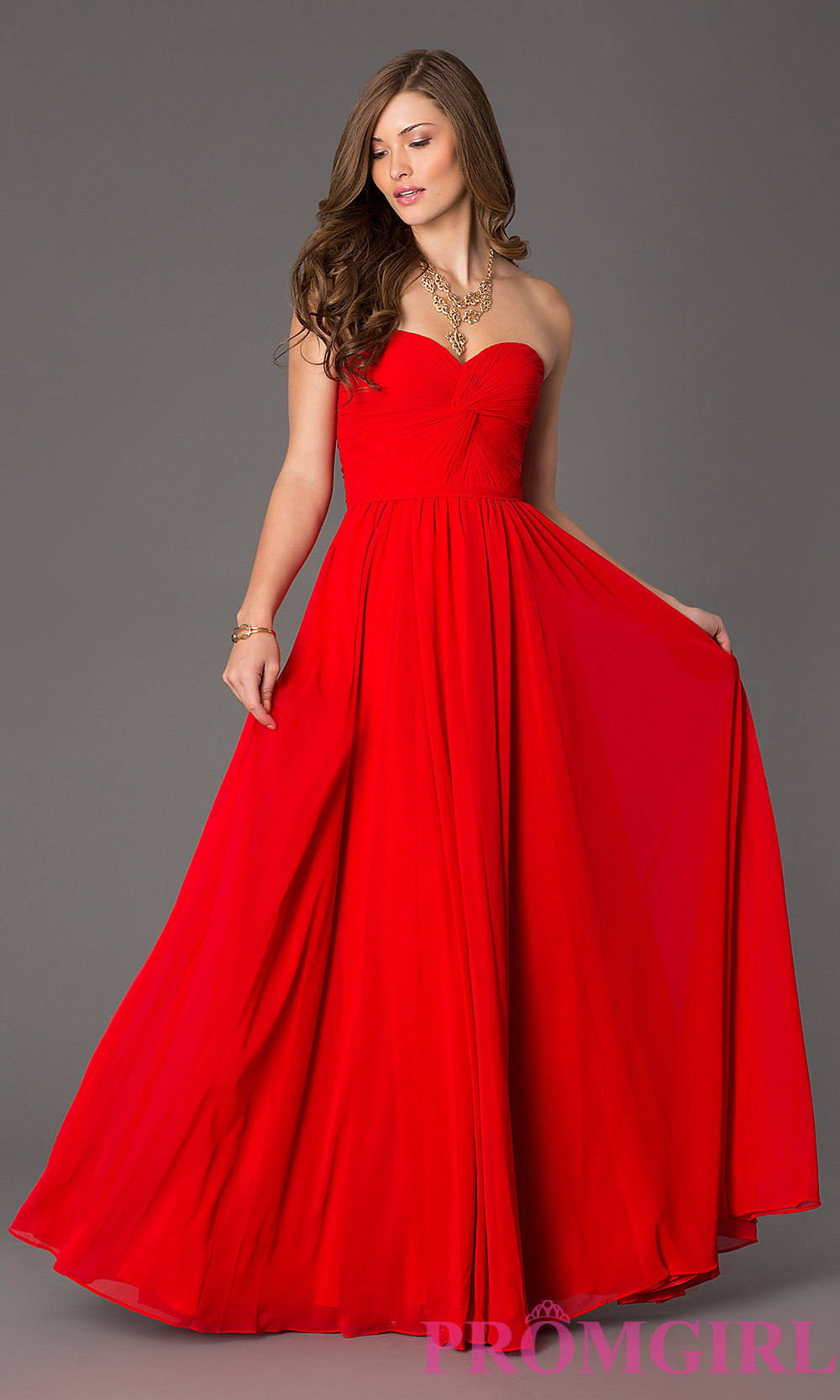 Pretty red dress // www.brokeandchic.com