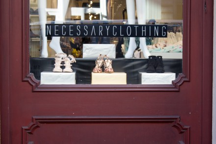 How to Design Your New Fashion Shop Display for Effective Selling  // www.brokeandchic.com