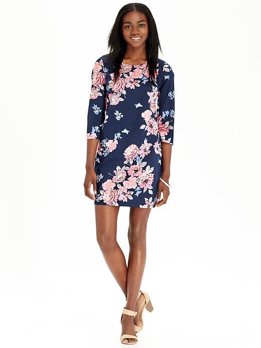 Floral dress // www.brokeandchic.com