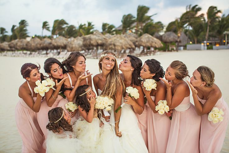 How to plan a destination wedding on a budgetbroke and chic planning a destination wedding on a budget everything you need to know junglespirit Gallery