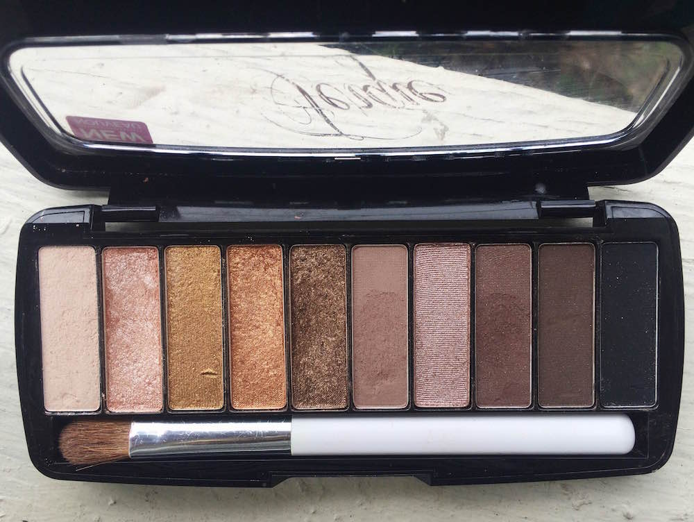 We found the perfect dupe for Urban Decay's new Naked Smoky Palette // www.brokeandchic.com