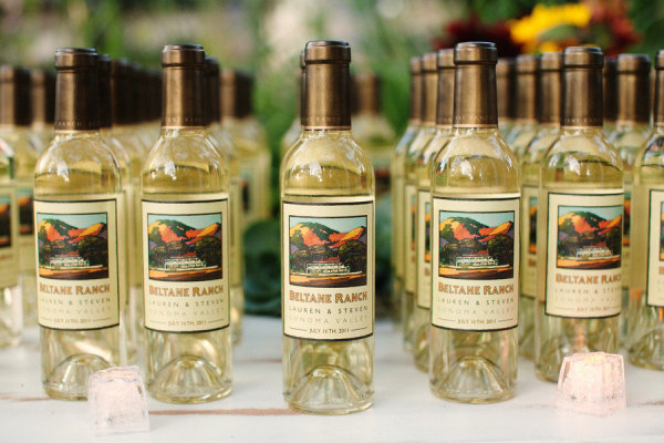 8 Party Favors That Will Win over the Crowd at Your Wedding8 Party Favors That Will Win over the Crowd at Your WeddingBroke  . Mini Wine Bottle Favors For Weddings. Home Design Ideas