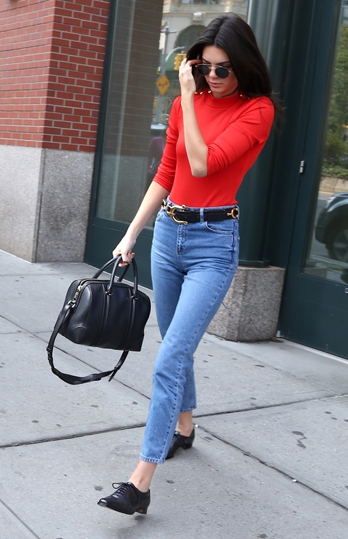 5 Celeb Outfits You Need to Copy Before It Gets Too Cold // www.brokeandchic.com