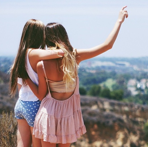 Things Everyone Should Do With Their Friends // www.brokeandchic.com