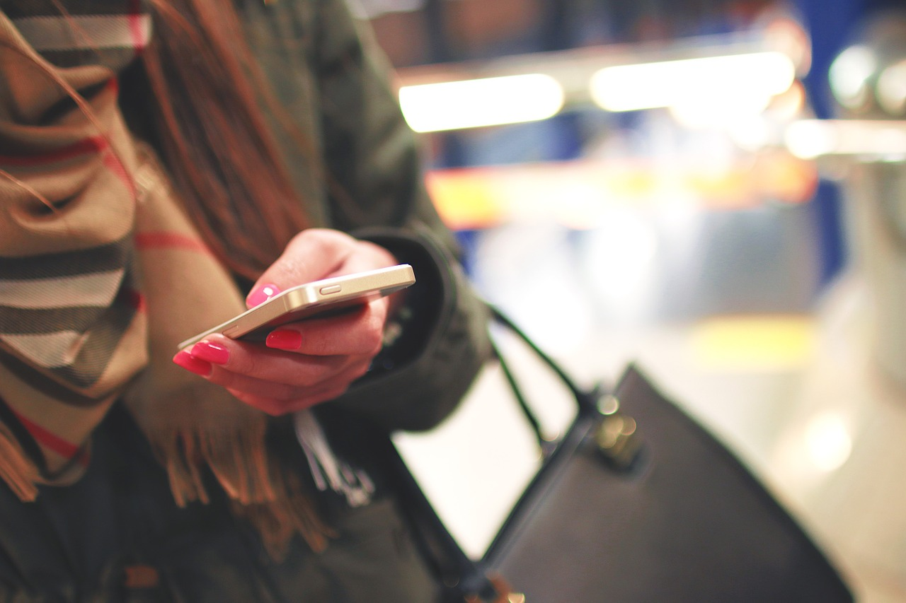 11 Things You Should Be Using Your Phone For // www.brokeandchic.com