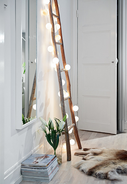 Cool Interior Lighting Hacks That Will Knock Your Socks Off! // www.brokeandchic.com