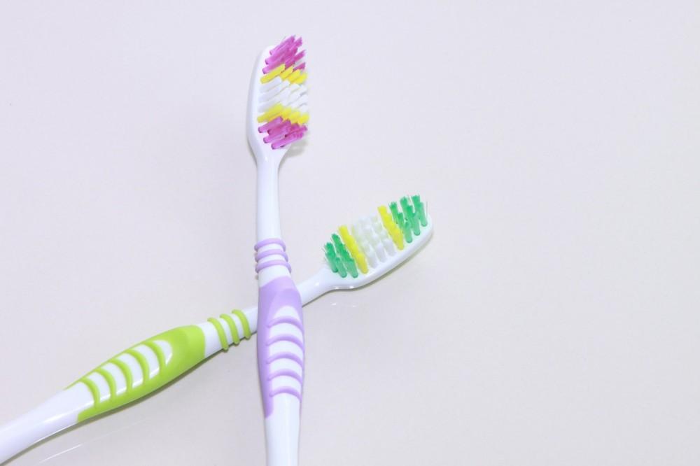 Tips for Helping Your Teeth Look Their Best // www.brokeandchic.com