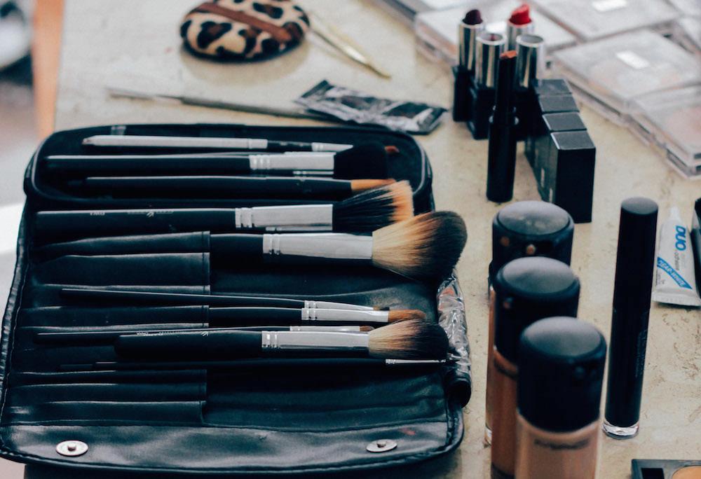 5 Makeup Hacks Every Wannabe Beauty Guru Needs to Know // www.brokeandchic.com