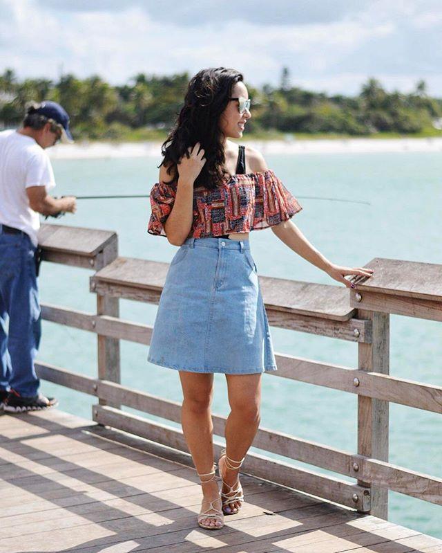 5 Bloggers Winning at the Denim Skirt Trend // www.brokeandchic.com