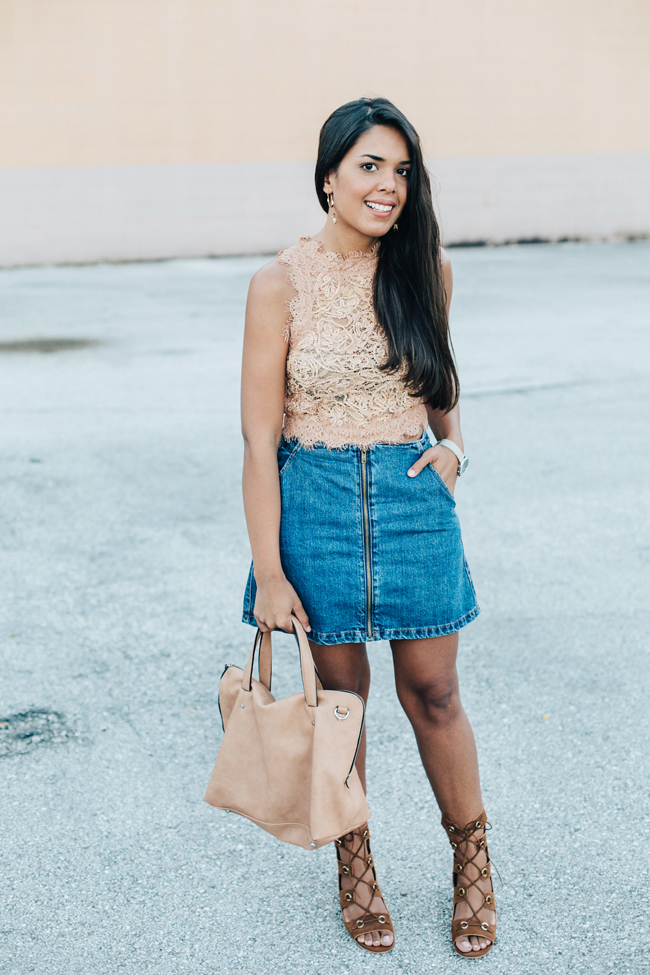 5 Bloggers Winning at the Denim Skirt Trend // www.brokeandchic.com