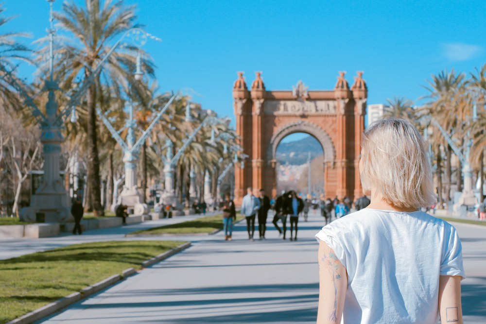 5 Things To Consider When Working Abroad // brokeandchic.com