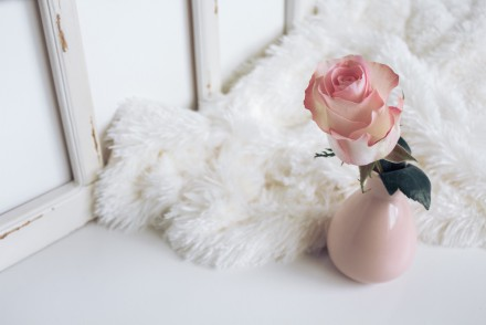 Budget Decor: Adding a Touch of Cozy To Your Home