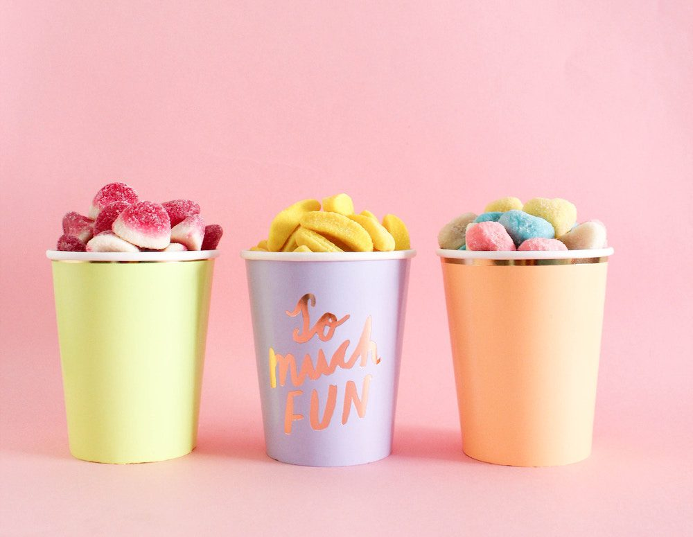 Throw the Best Party for Your Kids with These Goodie Bag Tips // www.brokeandchic.com